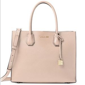 Handbags - Michael Kors Large Cover. Leather tote- oyster